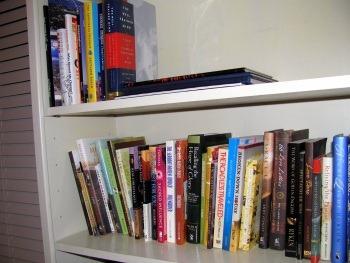 [bookshelves%255B3%255D.jpg]