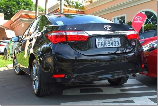 Toyota Corolla 2015 (11)_1600x1067
