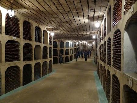 Drumul vinului Basarabia: Caze in orasul subteran