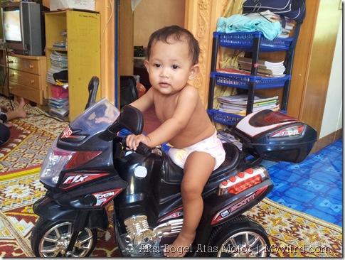 Aksi_Bogel_Atas_Motor_Superbike 3