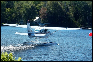 Seaplane fly in 046
