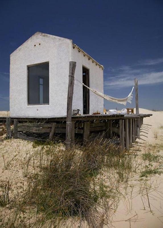 700 uruguay beach house facade