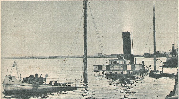 1939. Puerto de Barcelona. Vapor ESPAÑA NUMERO 3. Foto Jaume Cifre Sanchez. Nuestro agradecimiento.jpg