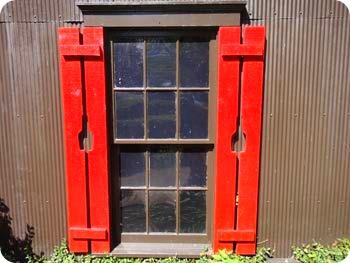 8-shutters