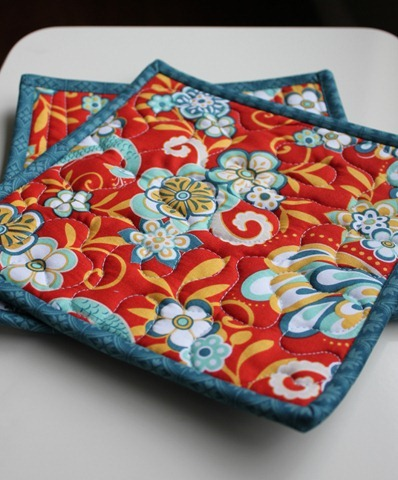 Easy Hot Pad Tutorial from The Fabric Mill's blog