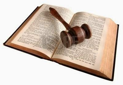Eliseu-Antonio-Gomes_EAG_Belverede_judge's gavel_bY-123rf