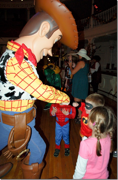 fistbumping woody (1 of 1)