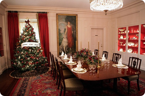 White House China Room Christmas Table Setting