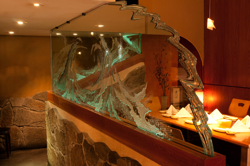 The breathtaking glass wall that separates the tatami room from the the restaurant