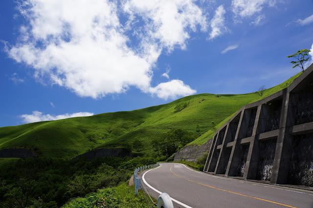 三峰山。WindowsXPの壁紙みたいと評されたw