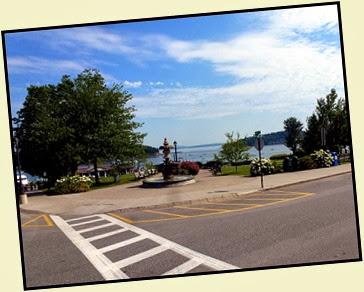 02e - walking Main Street in Bar Harbor - city park