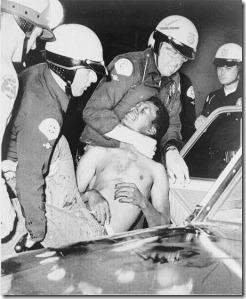 514px-Wattsriots-policearrest-loc