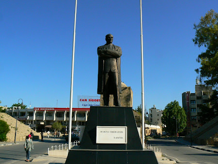 Things to see in Nicosia: Ataturk statue