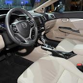 2013-Honda-Civic-Hybrid-5.jpg