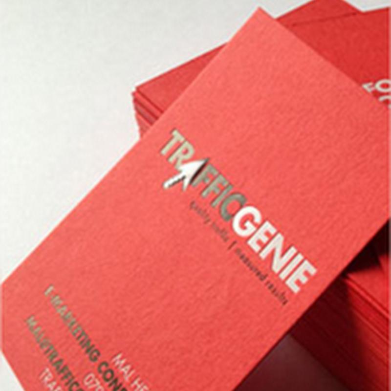 18 nuevas tarjetas de presentación en color rojo