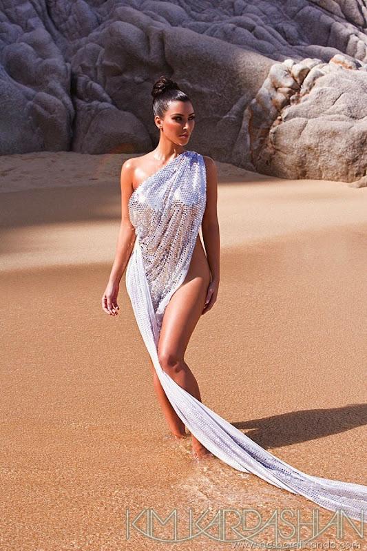 kim-kardashian-linda-sensual-sexy-sedutora-boob-peitos-decote-ass-bunda-gostosa-desbaratinando-sexta-proibida (20)