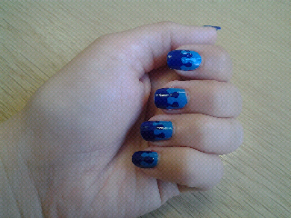 Drip drop dripping nail art blue