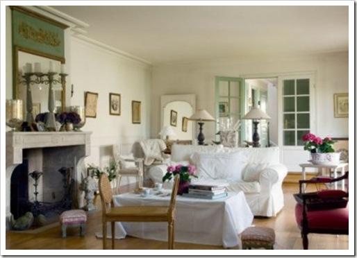 Salon-au-mobilier-blanc_carrousel_gallery