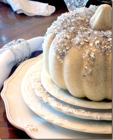 Alex photos &amp; Bling White Pumpkin Tablescape 1582