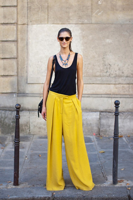 Daiana_Yellow-Wide-Pants-street style