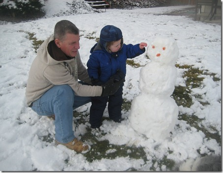 12 30 12 - Sledding and snowmen with Papa (4)