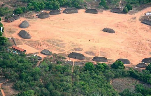 800px-Parque_Indígena_do_Xingu