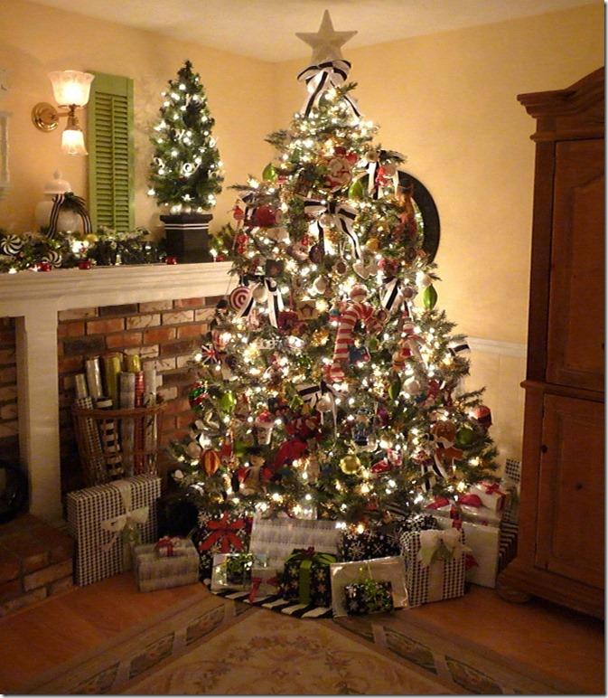Christmas tree 2011 007 (697x800)