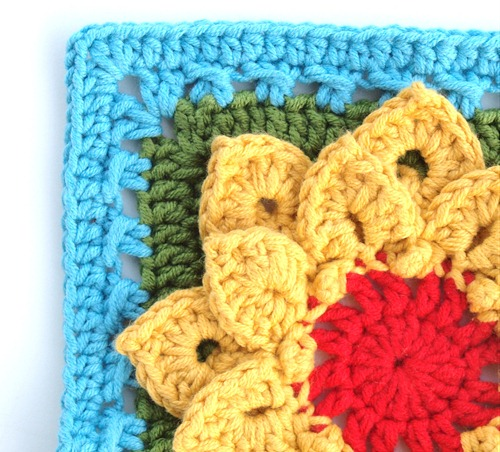 crocodile stitch flower (2)