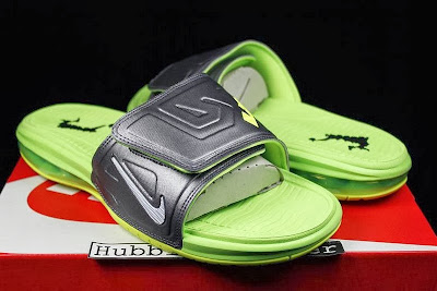 nike air lebron slide 3 volt 2 01 Air LeBron Slide 3 Elite Uses a Classic Dunkman Look