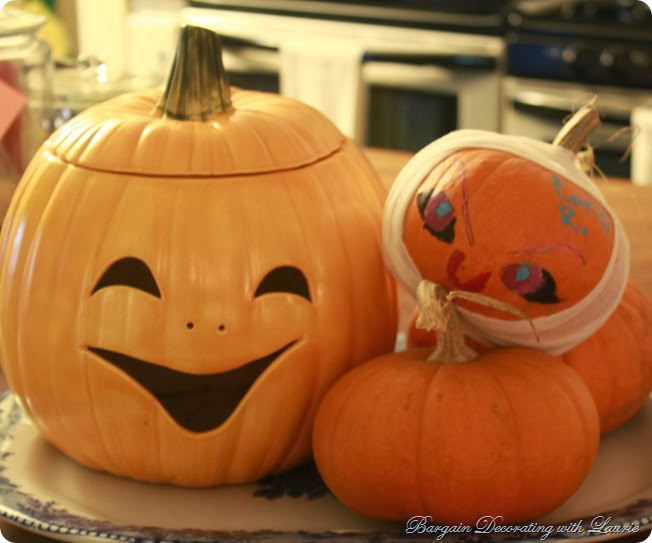 Pumpkinsr-Bargain Decorating with Laurie