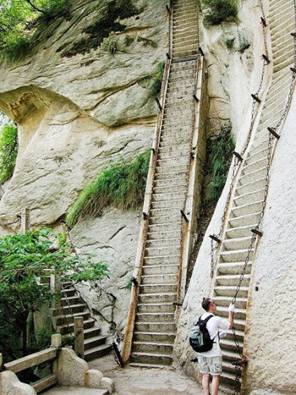 Mt.-Huashan-in-China