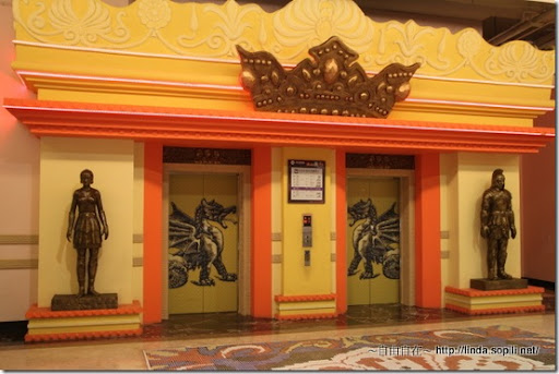 高雄義大遊樂世界-電梯