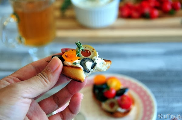 Herbed Goat Cheese Crostini—Easy Entertaining Recipe