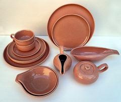 Russel Wright American Modern dinnerware line