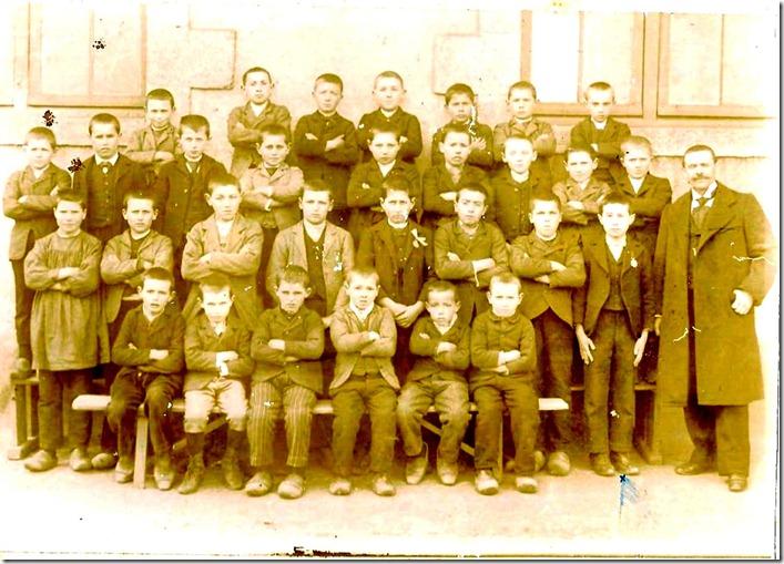 1898 Ecole garçons treillières avec Francis Garin, instituteur