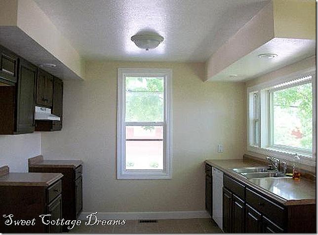 farmhouse 4 kitchen 2