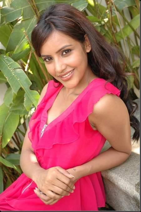 Priya-Anand sexy tollywood acterss