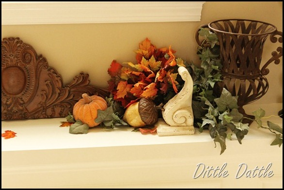 Foyer-shelf-ledge-fall-decorating-decor