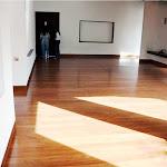 Tablón de madera maciza para interiores - Piso de madera en Sapan 2.bmp