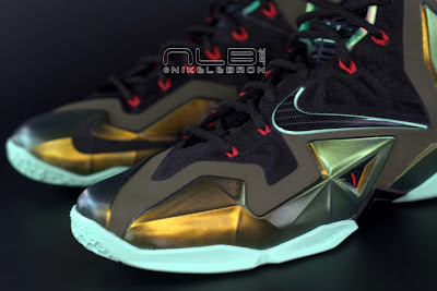 lebron11 king of the jungle 06 web dark LEBRON 11 Breakdown: Yes, its True to Size & Yes, its the Lightest LBJ Sig!