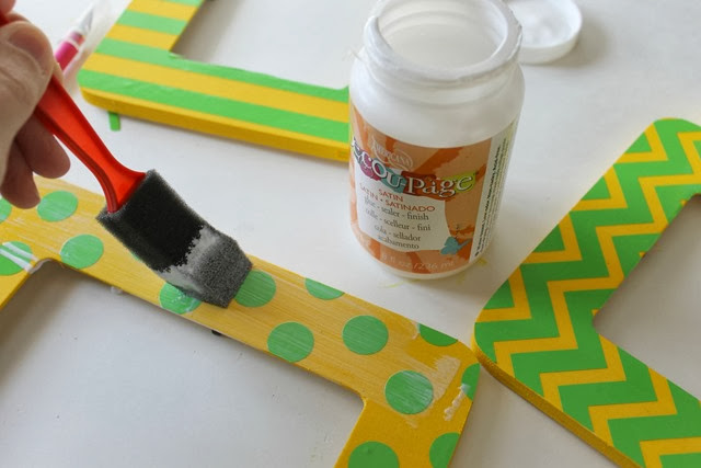 frame stenciling with Americana Decoupage #stenciling