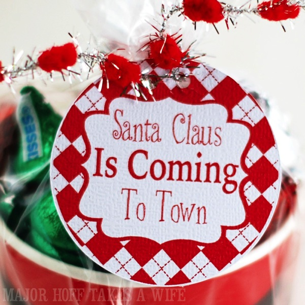 Santa Claus Is Coming to town Free Printable gift tags found at Major Hoff Takes A Wife
