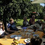Adam og Dolo er kommet til Ringe, vi spiser frokost i haven