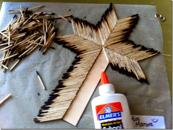 Matchstick Cross Project - This is such a unique, clever and cool looking Easter Craft for Kids.  This could be done by kids of all ages as long as a parent gets the supplies ready.