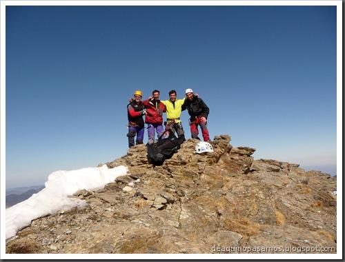 Corredor Gigolo 240m 65º IV (Cambre d'Aze 2750m, Cerdanya, Pirineos) (Omar) 0029