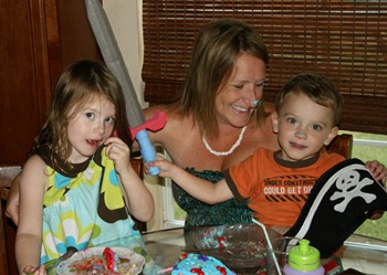Mommy's Birthday Cake 2011 (2)