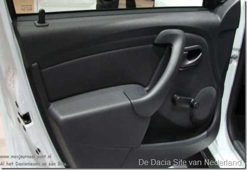 Armsteun Portier Dacia 05
