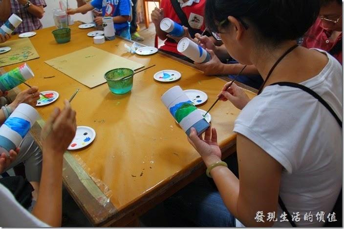 台中日月潭-和菓森林揉茶。接下來就是彩繪茶葉罐了!