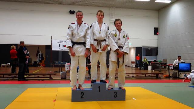 Poule 21, 1e  Germar buter, 2e Martijn Neef en 3e Brian Horstink.JPG