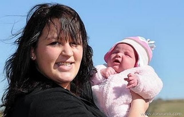 Wanita yang melahirkan 3 jam setelah mengetahui dia hamil